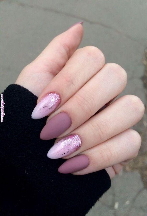 μοβ_και_ροζ_νύχια_με_γκλίτερ_Νυχια Μαρτιου_2021_