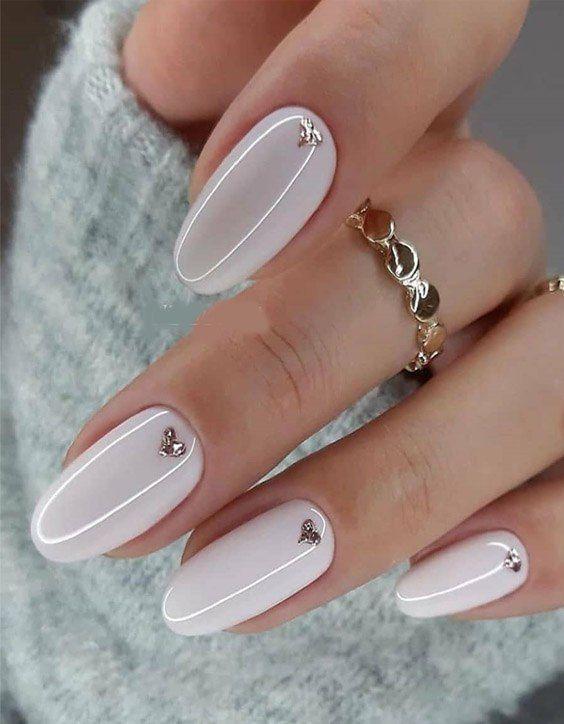 λευκά_νύχια_με_στρας_
