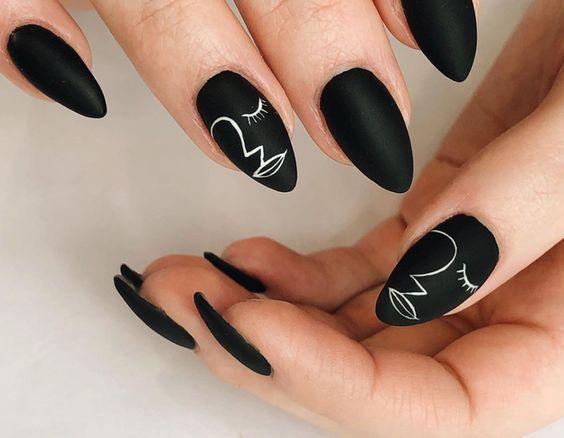 abstract nails_τάσεις_στα_νύχια_Άνοιξη_Καλοκαίρι_
