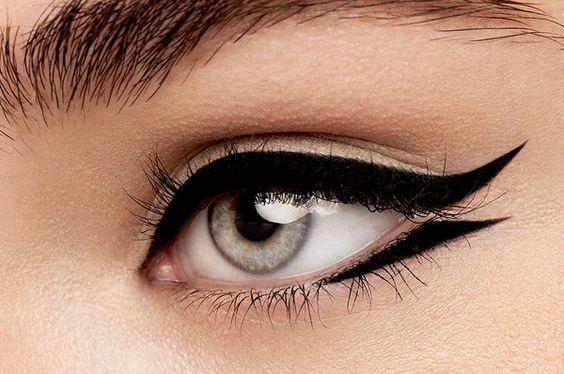 έντονες_γραμμές_eye liner_