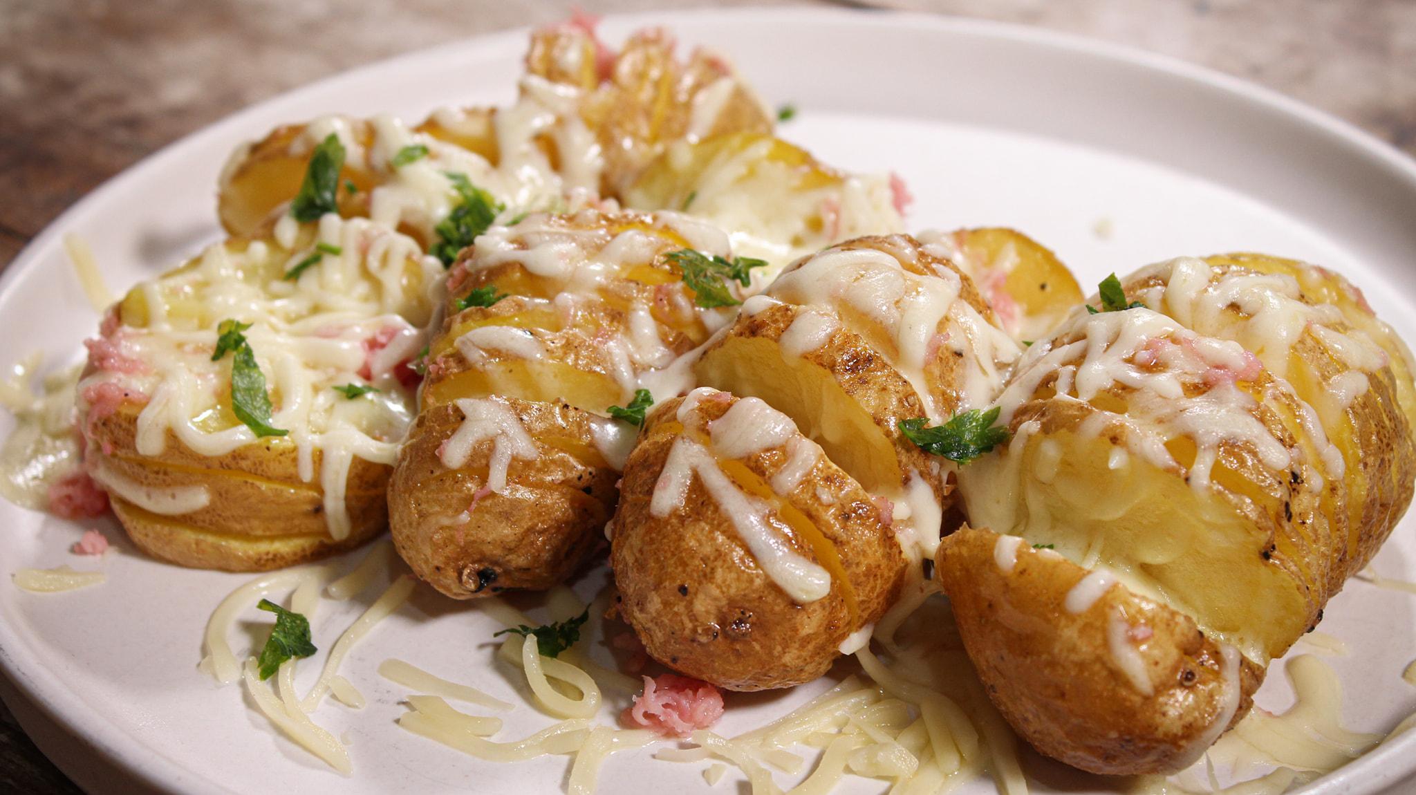 Τηγανιτές_ πατάτες_ ακορντεόν γεμιστές_