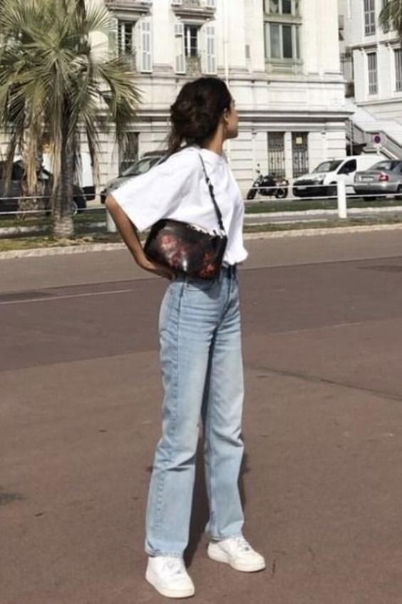 baggy jean_με_λευκό_t-shirt_