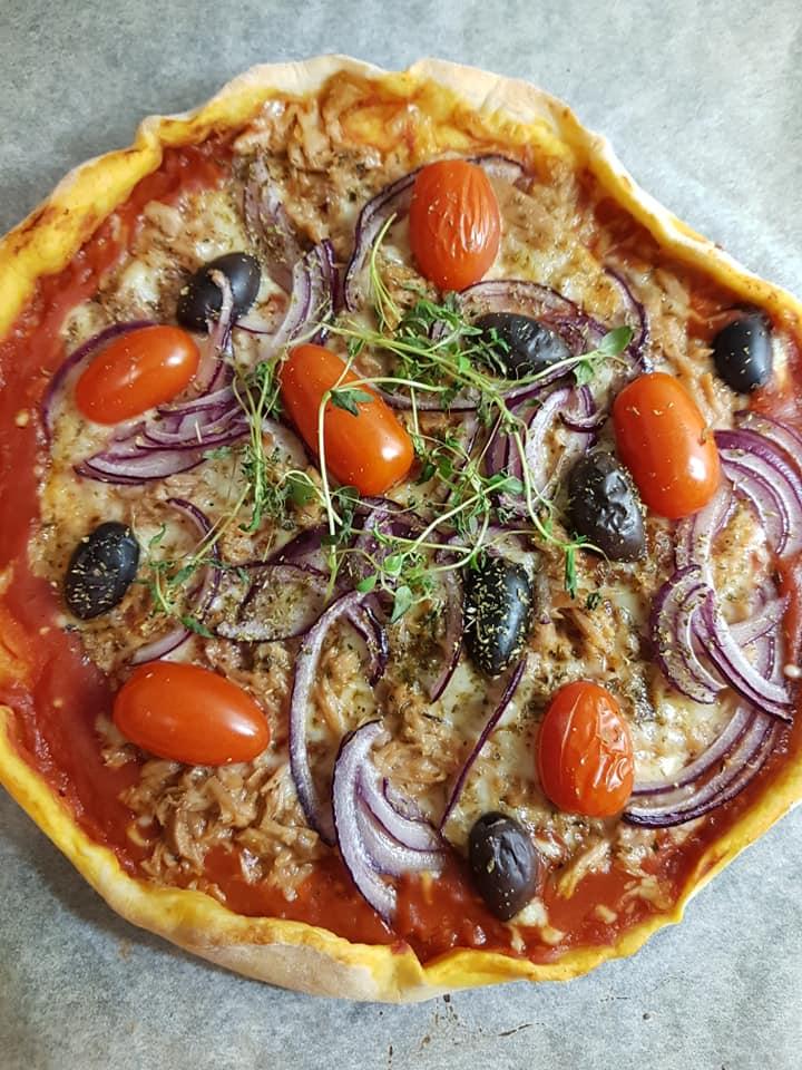 Μεσογειακή_ πίτσα_ με τόνο_
