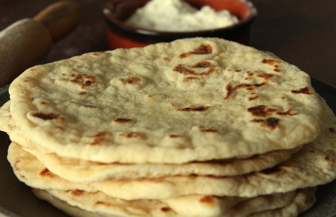 Συνταγή για τορτίγιες χωρίς μίξερ _(βίντεο)