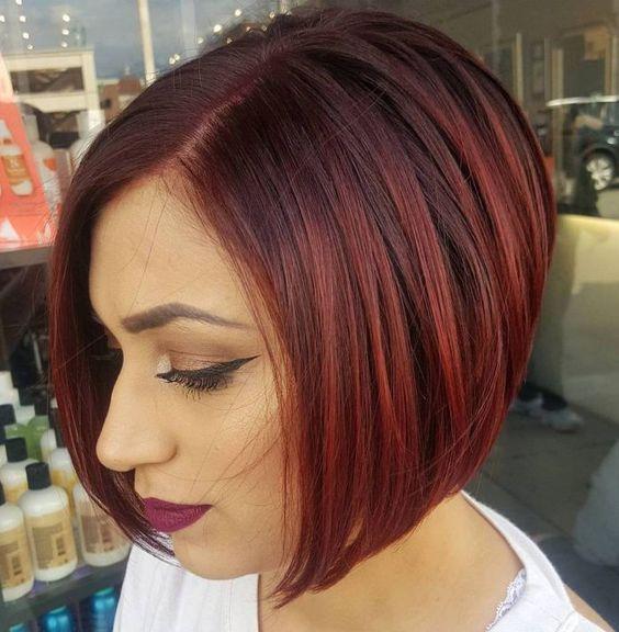 καστανά_καρέ_μαλλιά_με_κόκκινες_ανταύγειες_