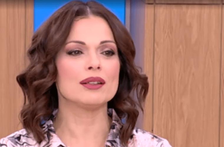Η Δάφνη Λαμπρόγιαννη επιστρέφει στην τηλεόραση με ανανεωμένο look! (εικόνα)