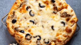 Συνταγή για λευκή σάλτσα: Ιδανική για πίτσα και μακαρονάδα_