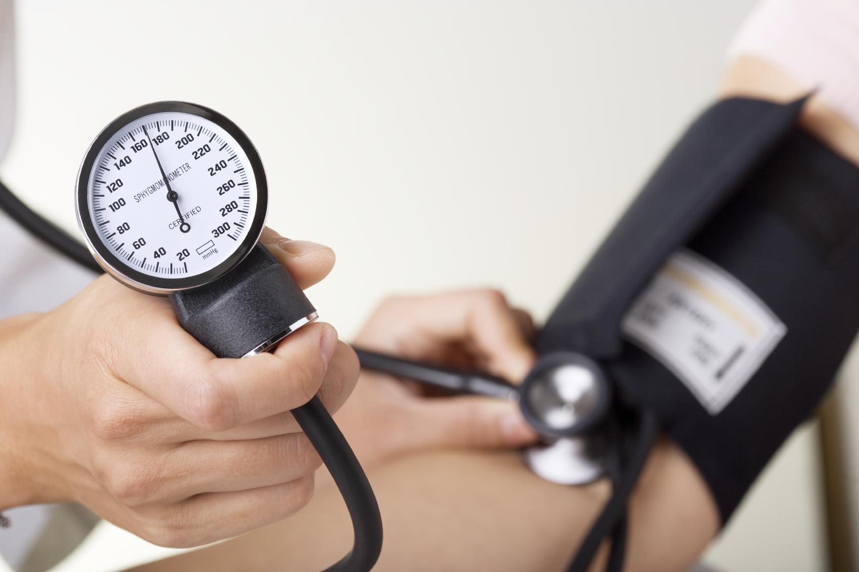 Χαμηλή αρτηριακή πίεση: Τα συμπτώματα που φοβίζουν