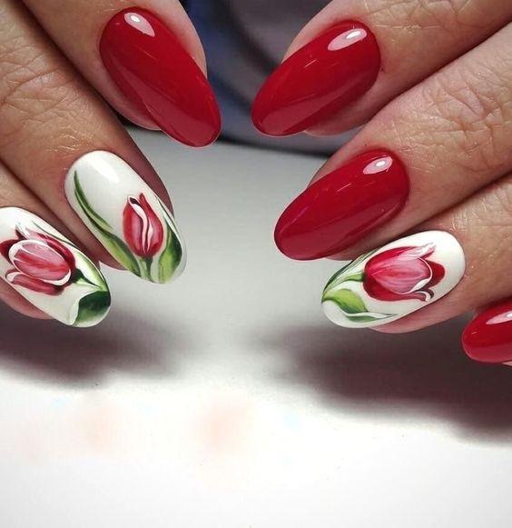 κόκκινα_νύχια_με_λουλούδια_