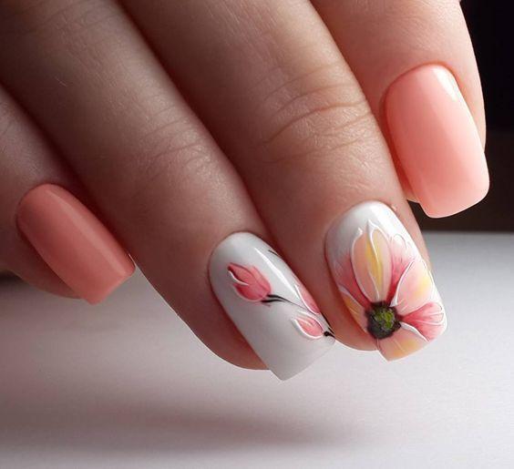 ροδακινί_νύχια_με_λουλούδια_