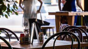 Πάσχα και κανονικότητα :Τα σενάρια για άνοιγμα αγοράς, καφετέριες  εστιατόρια και σχολεία