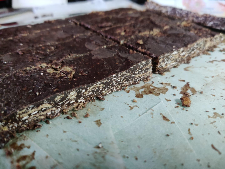 Μπάρες_ δημητριακών _με σοκολάτα, _μέλι_ και ταχίνι_ Συνταγή_