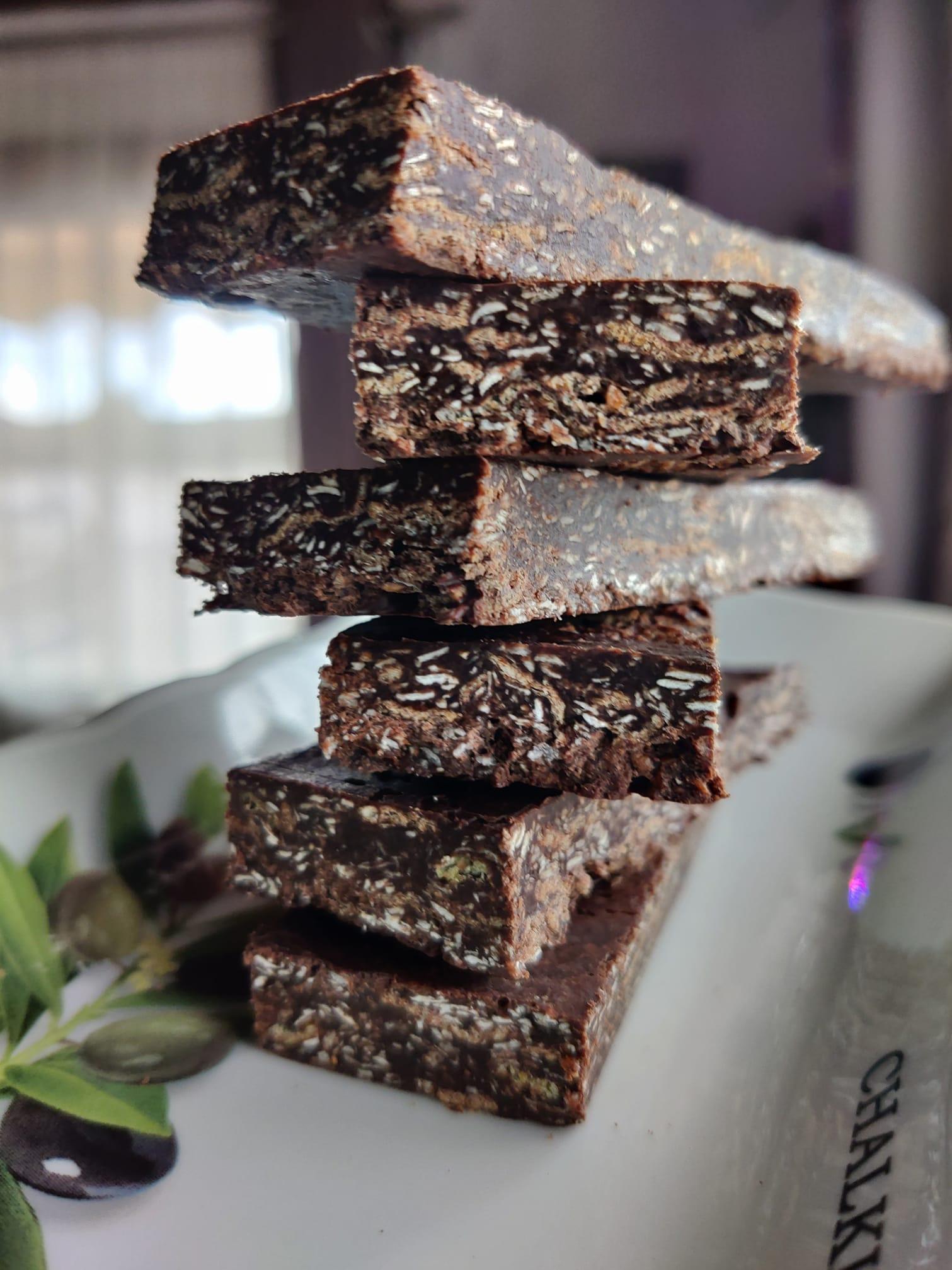 Συνταγή για_ Μπάρες_ δημητριακών _με σοκολάτα, _μέλι_ και ταχίνι_