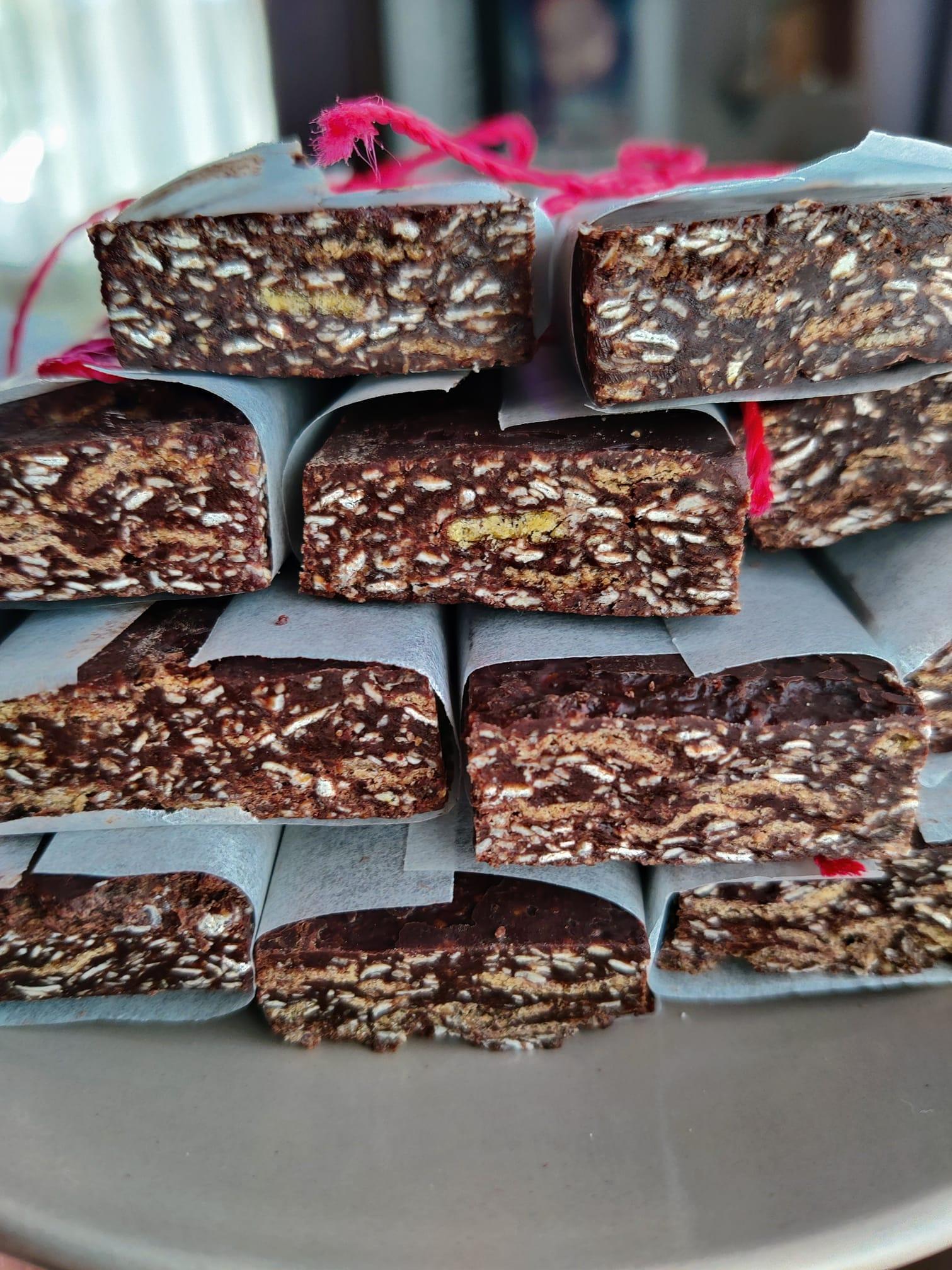 Μπάρες_ δημητριακών _με σοκολάτα, _μέλι_ και ταχίνι_
