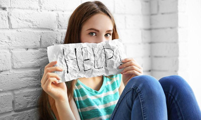 χαρακιές_στο_χέρι_και_αυτοτραυματισμός_στην_εφηβεία_cutting_συμβουλές_