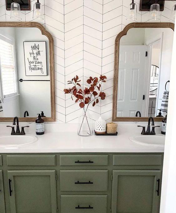 πράσινα ντουλάπια_μπάνιου_ ιδέες _για μπάνιο_ σε πράσινο _χρώμα_