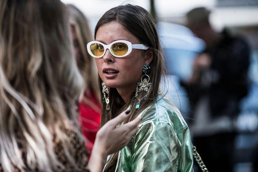 γυναικεία_γυαλιά_ηλίου_με_χοντρό_σκελετό_ Οι_ τάσεις _στα γυαλιά_ ηλίου_ για την Άνοιξη _- Καλοκαίρι _του _2021_