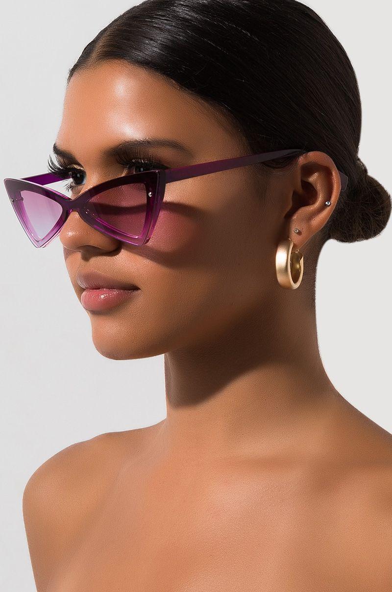 γυαλιά_ηλίου_που_πάνω_μέρος_τους_είναι_επίπεδο_