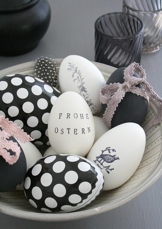 μαύρα_και_λευκά_πασχαλινά αυγά_ Μίνιμαλ_ πασχαλινή_ διακόσμηση_