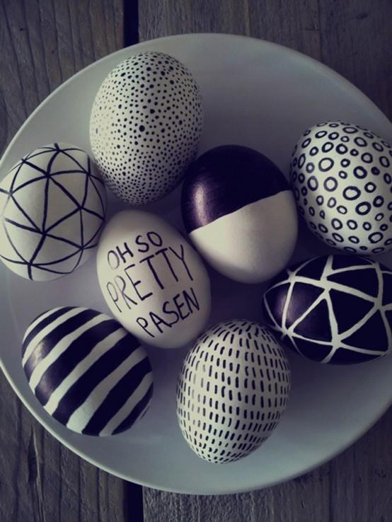 λευκά_και_μαύρα_πασχαλινά_αυγά_με_σχέδια_
