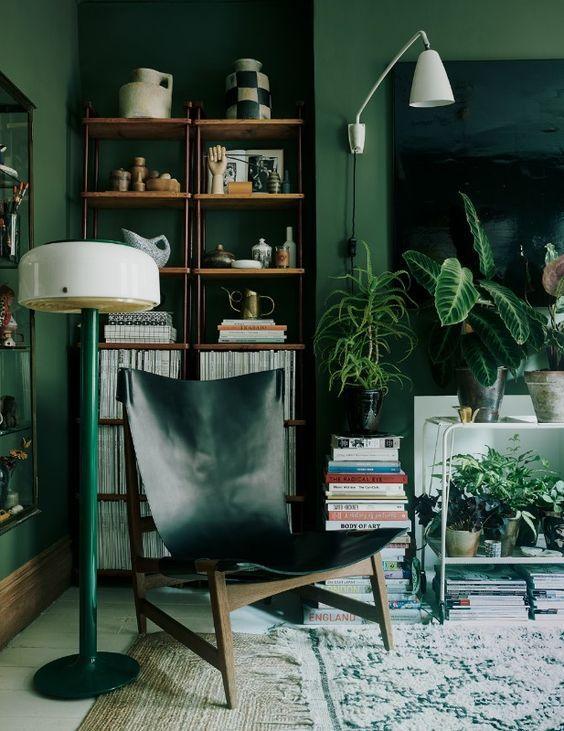 πράσινο_χρώμα_στους_τοίχους_του_σαλονιού_