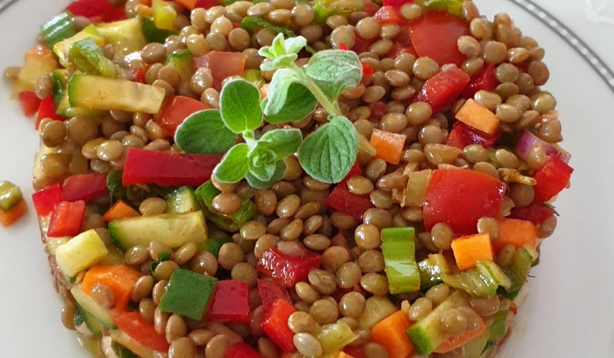 Φακές_ σαλάτα_με_ λαχανικά_