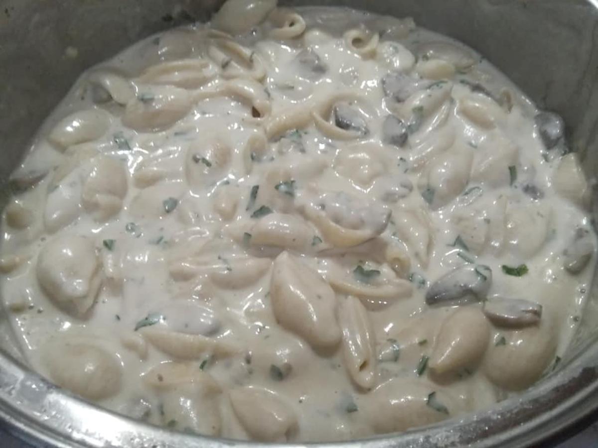 Νηστίσιμη σάλτσα για μακαρόνια από κάσιους_