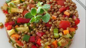 Φακές σαλάτα με λαχανικά_