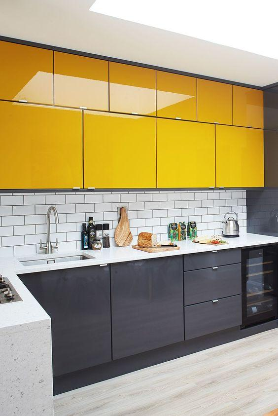 κίτρινα_και-γκρι_ντουλάπια_κουζίνας_