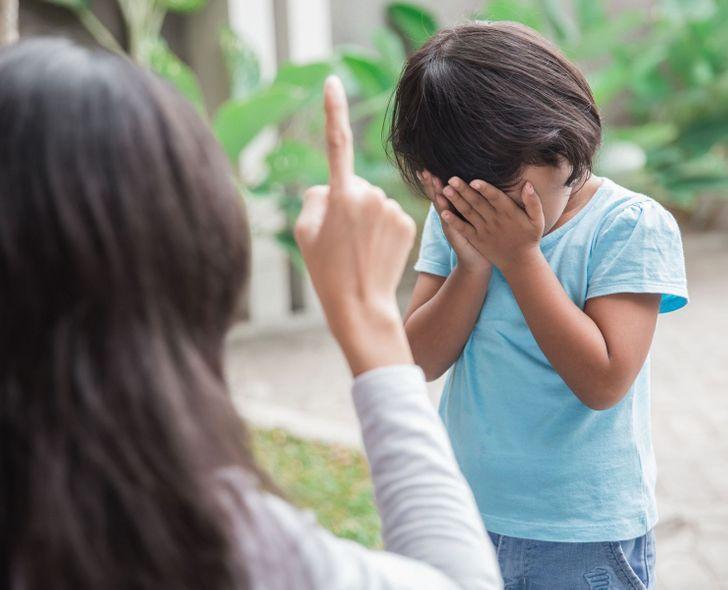 13_φράσεις_που_χρησιμοποιούν_οι_γονείς_και_μπορεί_να_προκαλέσουν_ψυχολογικά προβλήματα_στα_παιδιά_σαν_ενήλικες_