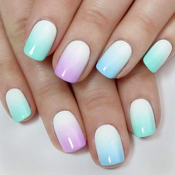 όμπρε νύχια_σε_γαλάζιο_και_μοβ_χρώμα_