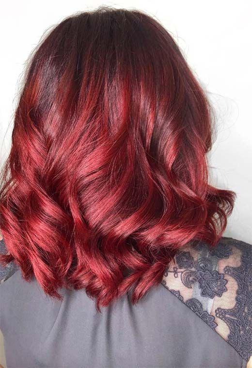 βαθύ_κόκκινο_σε_καρέ_μπαλαγιάζ_μαλλιά_