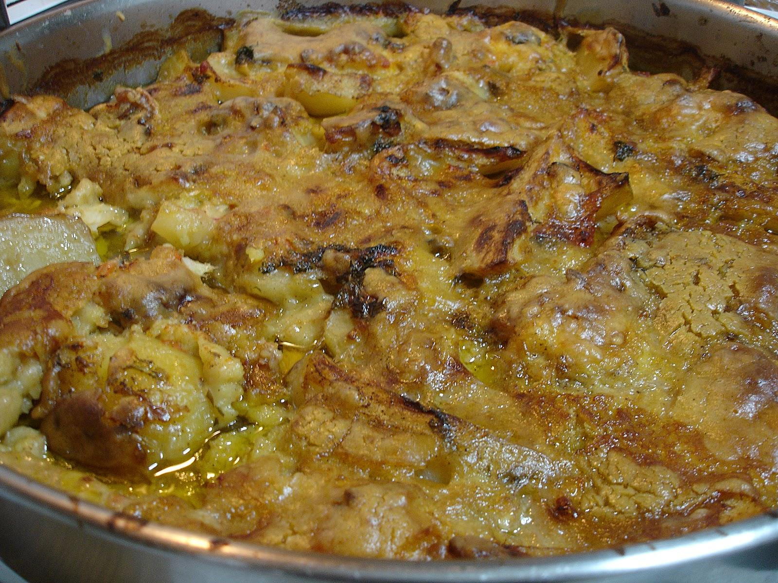 Μπακαλιάρος σκορδοστούμπι στο φούρνο