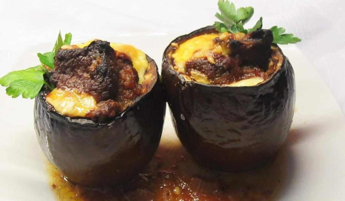 Μελιτζάνες γεμιστές με μοσχάρι και τυρί_