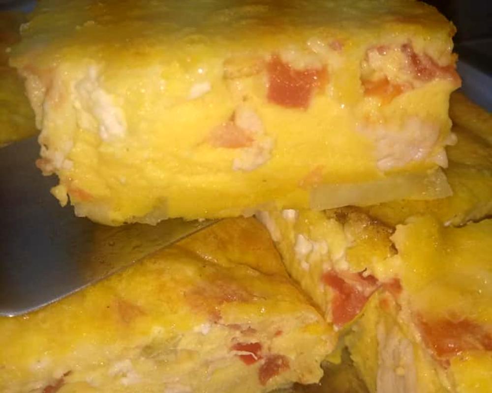 Ομελέτα φούρνου με κοτόπουλο που περίσσεψε_
