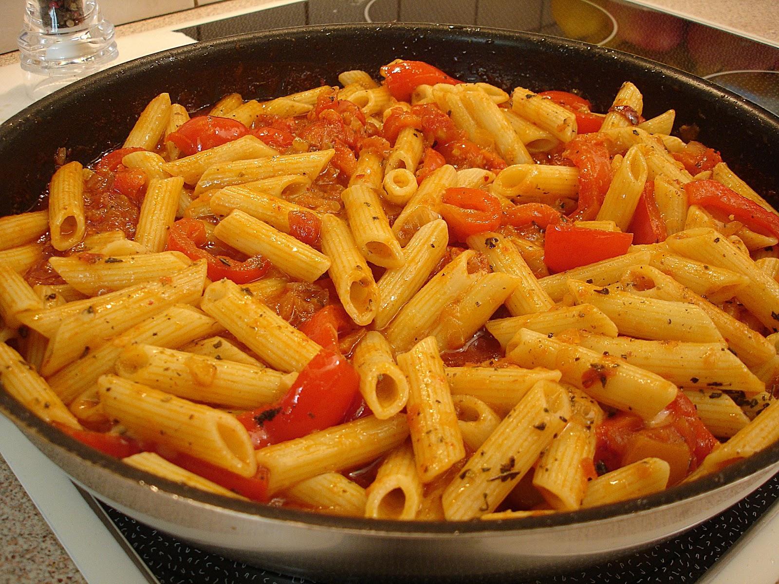 Πένες με σάλτσα αραμπιάτα