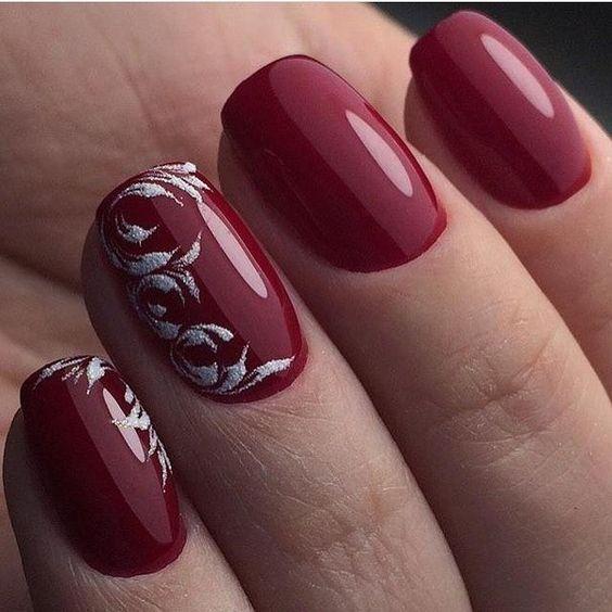 κόκκινα_νύχια_ το_ Πασχα_ με_ζωγραφισμένα_λουλούδια_