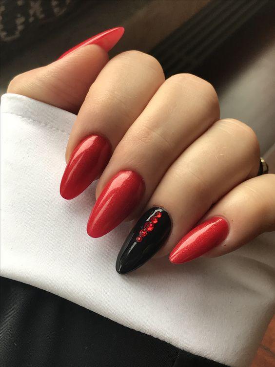 κόκκινα_και_μαύρα_νύχια_για_το_Πάσχα_