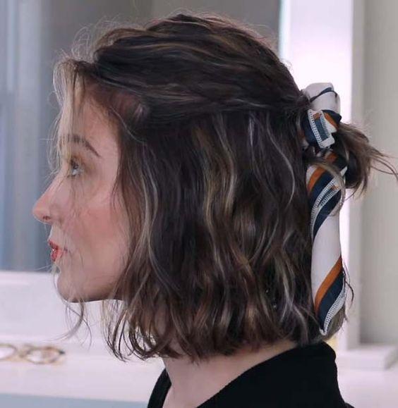 κορδέλα_σε_καρέ_μαλλιά_