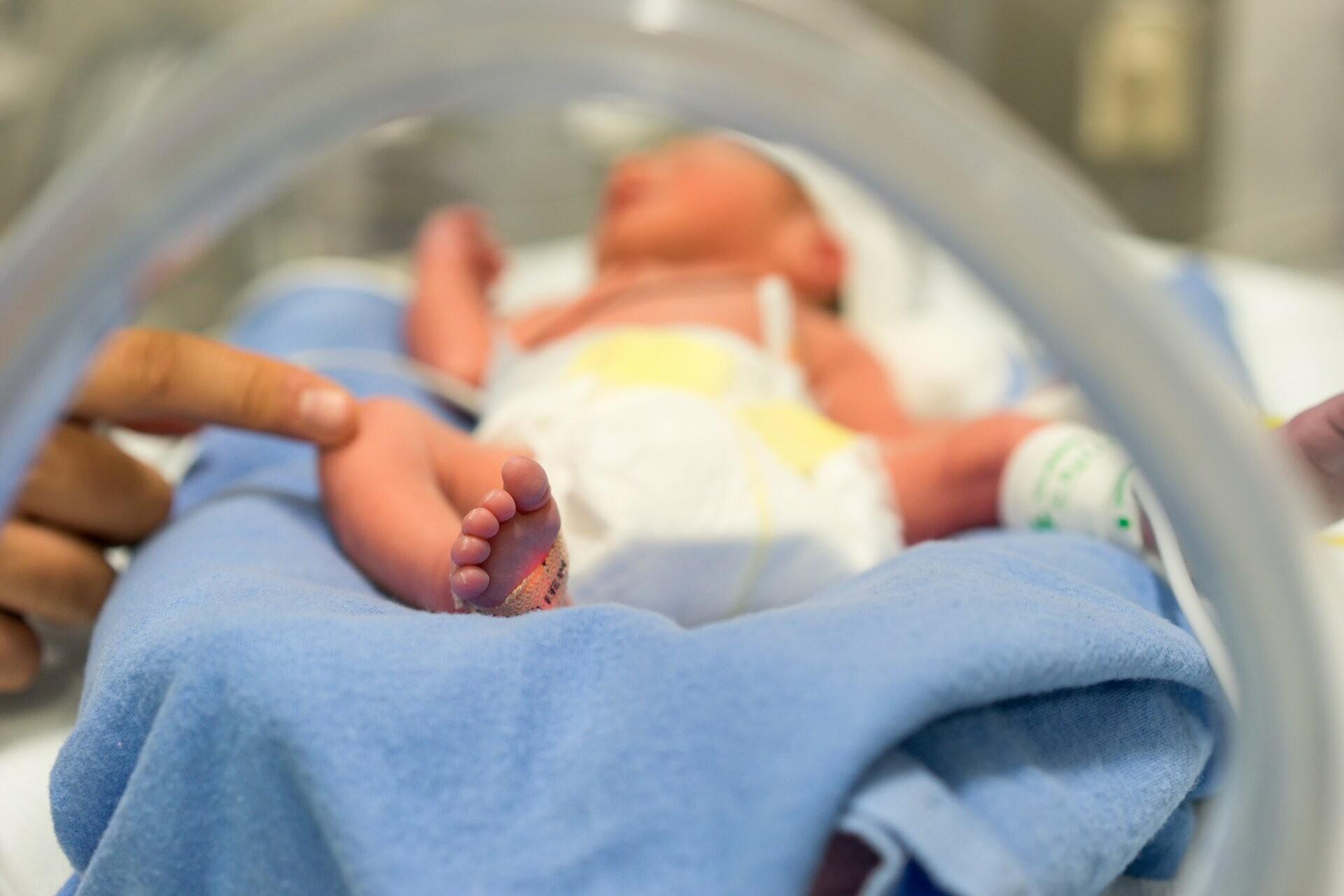 Γυναίκα γέννησε εννιάδυμα!