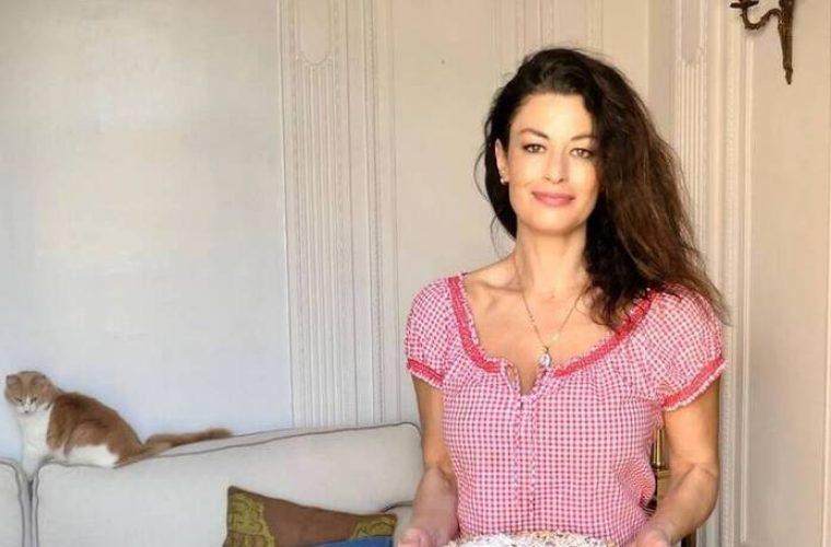 Δωροθέα Μερκούρη: Η κουζίνα του σπιτιού της θα σου θυμίσει της γιαγιάς στο χωριό! (εικόνες)