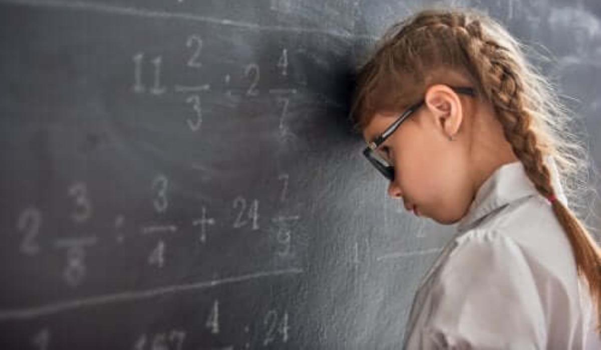 οι_κακοί βαθμοί_δεν_βοηθούν_το_παιδί_να_βελτιωθεί_