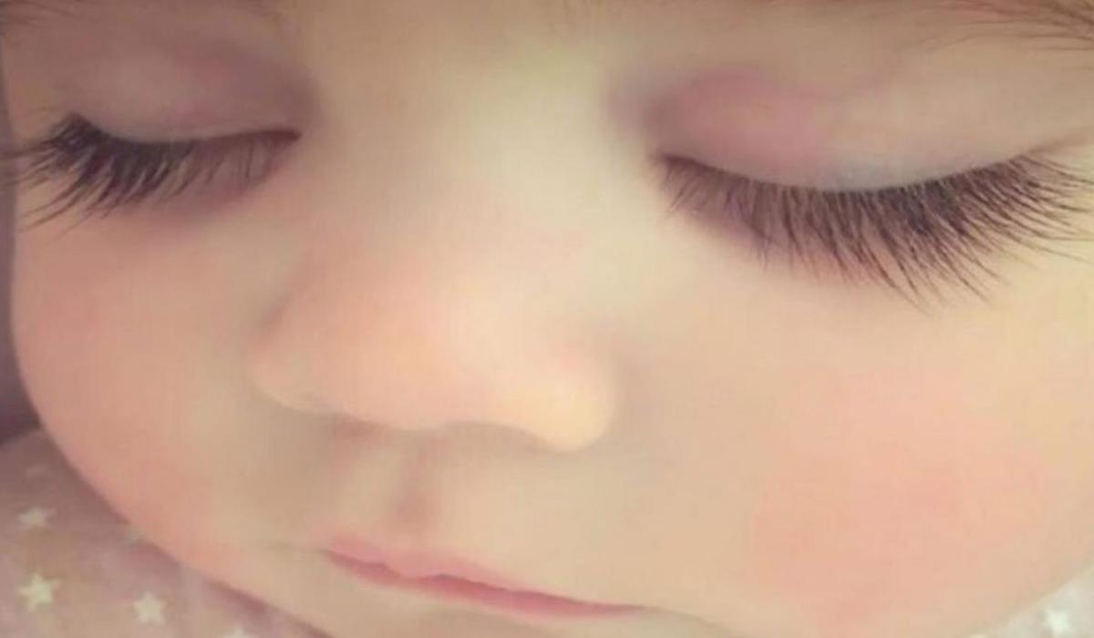 Το μωρό με τις πιο όμορφες βλεφαρίδες_