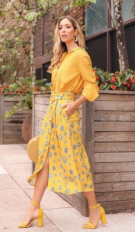κίτρινο_πουκάμισο_με_κίτρινη_φλορά_μάξι φούστα_