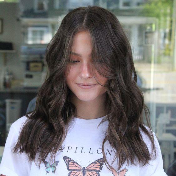 μαλλιά_μακριά_μέχρι_τον_ώμο_