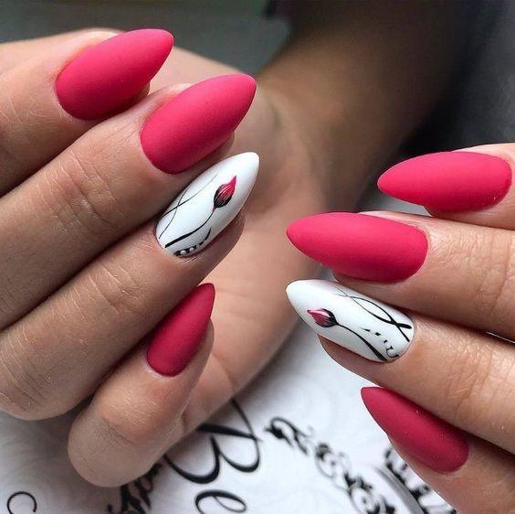 κόκκινα νύχια_με_λουλούδια_
