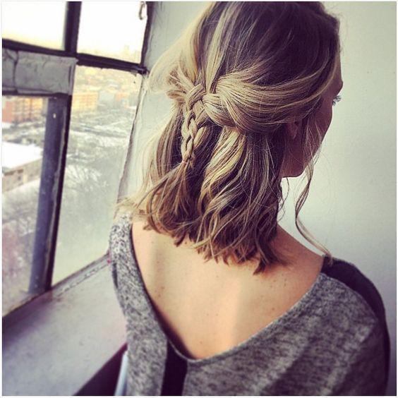 πλεξουδάκι_σε_καρέ_μαλλιά_