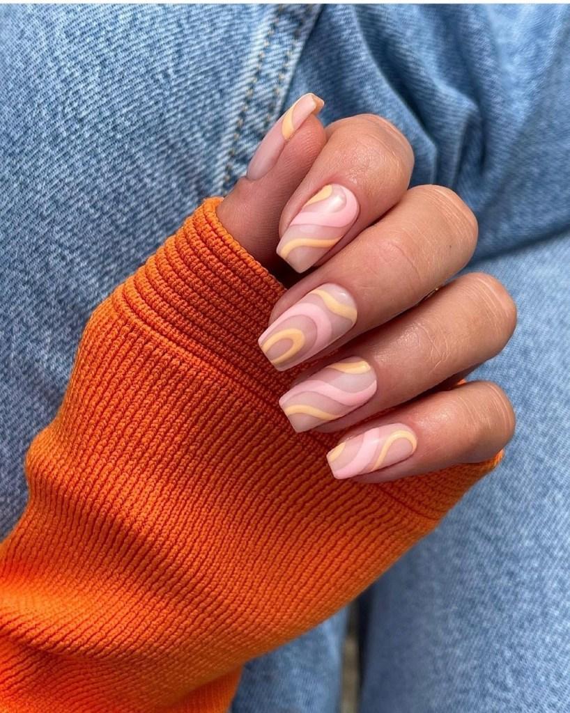 indie nails_σε_παστέλ_χρώματα_