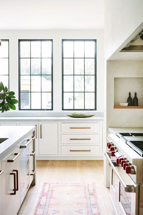 λευκό_και_μαύρο_χρώμα_στην_κουζίνα_