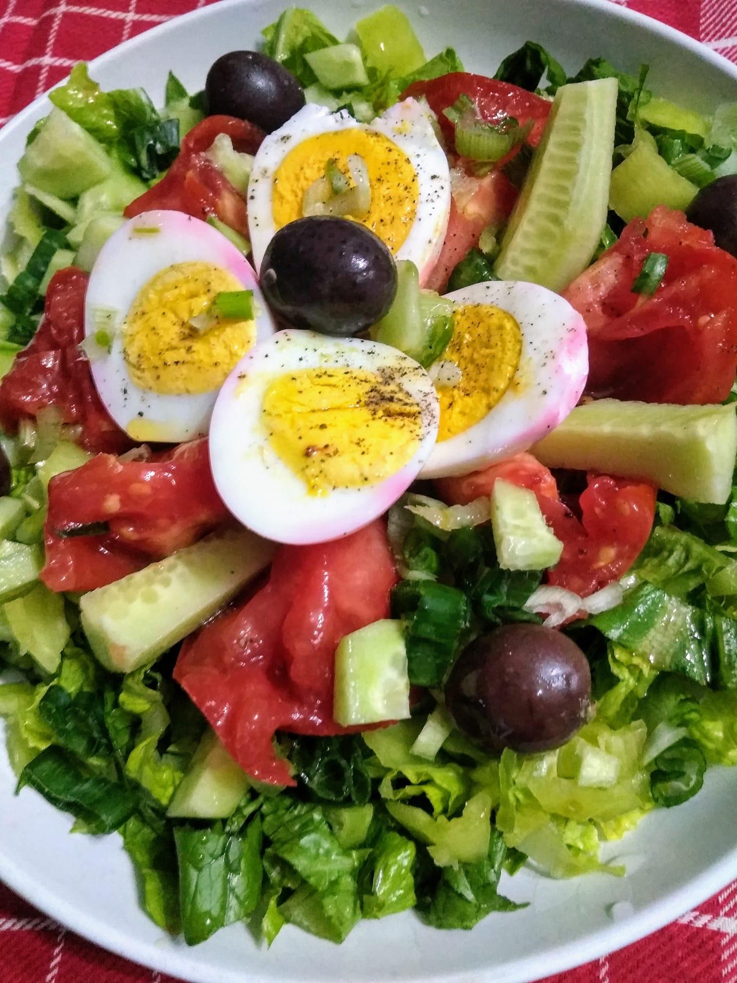 Πράσινη_ σαλάτα _με_ αυγό_
